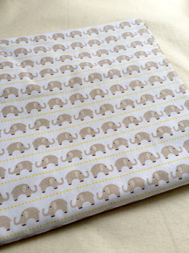 Cot Duvet - Elephants/Green Chevron