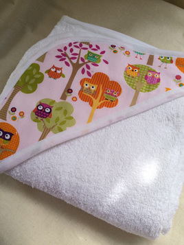 Hooded Towel - Owls in Trees